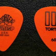 Dunlop Tortex Standard ad Tortex III picks