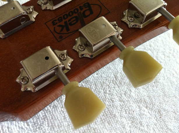 New Gotoh tuners fitted