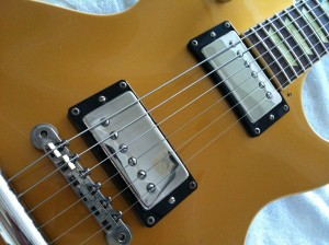 Les Paul Classic with black pickup rings